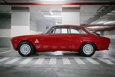 Alfa Romeo Giulia 1300 -