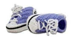Cool baby sneakers - Lilly is Love Crochet For Kids, Diy Crochet, Baby Knitting Patterns, Crochet Patterns, Baby Presents, Baby Sneakers, Baby Chucks, Crochet Shoes, Crochet Converse