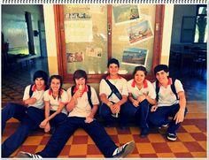 En el colegio con los compañeros!