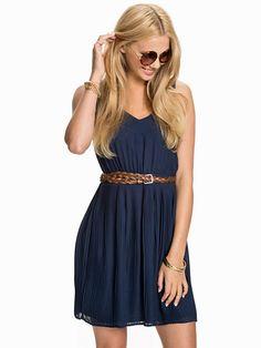 Vmgrape Short Dress - Vero Moda - Black Iris - Festkjoler - Klær - Kvinne - Nelly.com