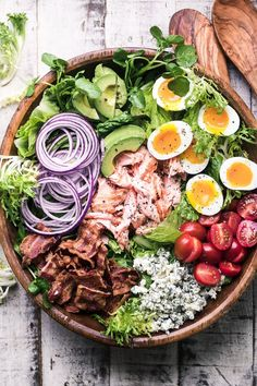 Recipes Salmon Salmon Cobb Salad ~ a twist on a classic main course salad that proves that salad can complete with tacos or pizza any night of the week! Healthy Eating Tips, Healthy Meal Prep, Healthy Nutrition, Clean Eating, Eating Raw, Keto Meal, Best Low Carb Recipes, Good Healthy Recipes, Yummy Recipes