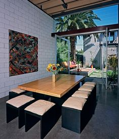 Concrete block wall used effectively 700 palms residence - Limposante residence contemporaine de ehrlich architects ...