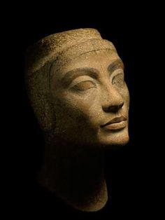 Due camere segrete nella tomba di Tutankhamon? I primi riscontri