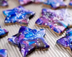 Prepare for lift off…Starry sprinkles and a marbled cosmic frosting take these space-inspired cookies to a new dimension. Cookies Star, Cupcake Cookies, Sugar Cookies, Cookies For Kids, Fancy Cookies, Cut Out Cookies, Set Cookie, Shaped Cookie, Just Desserts