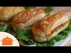 Sanduíche de Pernil | Panelaterapia Bagel, Brunch, Bread, Chicken, Ethnic Recipes, Wraps, Cupcakes, Stuffing Recipes, Pizza