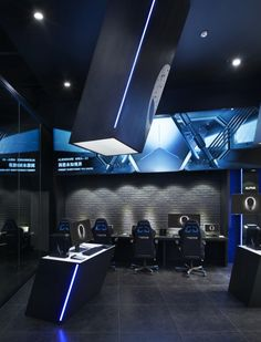 Alienware theme store and internet café by Gramco, Kunming – China Cafe Interior Design, Cafe Design, Internet Bar, Internet Store, Gaming Lounge, Gaming Setup, Vr Room, Gaming Center, Home Decor Ideas