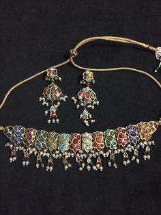 Nav Ratan choker Bridal Jewelry, Gemstone Jewelry, Gold Jewelry, Jewelery, Indian Jewelry Sets, India Jewelry, Stylish Jewelry, Fashion Jewelry, Pakistani Jewelry