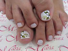 Unha delicada de Vanice Moura. Sensitive nail by Vanice Moura. Uña sensible por Vanice Moura. Unghie sensibili di Vanice Moura. Cute Toe Nails, Cute Toes, Toe Nail Art, Nail Art Diy, Diy Nails, Pedicure Designs, Toe Nail Designs, Summer Toe Nails, Feet Nails
