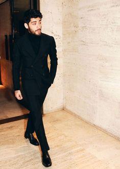 & black) Robbie Del Malik Zayn Malik is my Beautiful King Estilo Zayn Malik, Zayn Malik Style, Zayn Malik Photos, Liam Payne, Indian Men Fashion, Mens Fashion, Louis Tomlinson, Niall Horan, Zany Malik