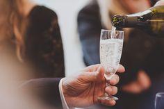 Holger & Dominik <3⠀ ⠀ ⠀ #brautpaar #bräutigam #hochzeit #hochzeit2018 #wedding #marriage #hochzeitsfotografessen #evamertzen #essen #ruhrgebiet #ruhrpott #heiratenimpott #kreuzeskirche #burgplatz #großstadtdeli #paarshooting #hochzeitsfotograf #brautpaarshooting #groomandgroom #hochzeitsfotografin #instagroom #instawedding #love #bräutigamundbräutigam #samesexwedding #regenhochzeit