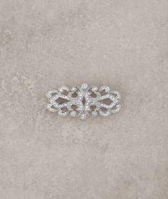 Pronovias costume jewelry 2016 - Aged silver and gemstone brooch  www.pronovias.com/bridal-accessories/costume-jewelry-b-5023