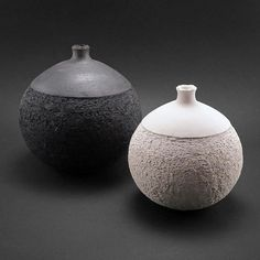 KeramiArt: Unique Ceramics by Ildik Krolyi click now for info. Raku Pottery, Pottery Bowls, Modern Ceramics, Contemporary Ceramics, Ceramic Clay, Ceramic Vase, Ceramic Texture, Pottery Designs, Pottery Ideas