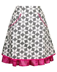 Comfortable skirt in organic cotton sateen. Follow the link for more information: http://www.ecouture.com/sonja-flower-pink.html?___store=gb&___from_store=gb
