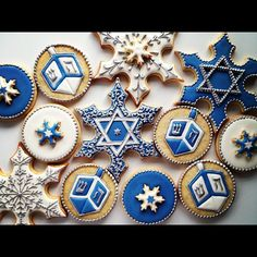 Look at these gorgeous cookies! Where can we get some? Hanukkah cookies by Sweetambs. Look at these gorgeous cookies! Where can we get some? Hanukkah cookies by Sweetambs. Hanukkah Crafts, Jewish Crafts, Hanukkah Food, Hanukkah Decorations, Christmas Hanukkah, Happy Hanukkah, Hanukkah Recipes, Jewish Recipes, Hannukah Cookies