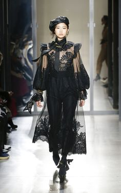 Get inspired and discover Zimmermann trunkshow! Shop the latest Zimmermann collection at Moda Operandi. Haute Couture Style, Couture Mode, Couture Fashion, Runway Fashion, Womens Fashion, Fashion Trends, Dark Fashion, Gothic Fashion, High Fashion