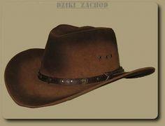 Kapelusz kowbojski ze skóry irchowej w kolorze podpalanym brązowym.W rondzie drut ułatwiający profilowanie kapelusza.