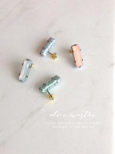 レクタングルビジューフランス刺繍糸くるみピアス/WHITE×MINT ~Lustrini~|ピアス(スタッド・一粒)|ハンドメイド通販・販売のCreema