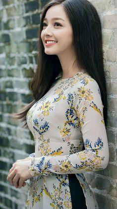 japanese asian girl cute beautiful pretty sexy teen young model idol skirt student school high school beauty school girls big ass สวย big tits Little girl in a swimsuit Vietnamese Traditional Dress, Vietnamese Dress, Traditional Dresses, Ao Dai, Cartier Bracelet, Vietnam Girl, Vietnam Flag, Dalat Vietnam, Beauty