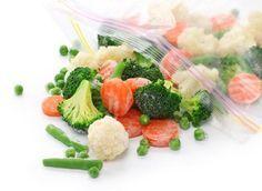 Veja as dicas da nutricionista de como congelar alimentos, como: arroz, feijão, carnes, verduras, legumes e frutas sem perder os nutrientes.