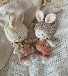 Crochet Bunny, Love Crochet, Crochet Animals, Häkelanleitung Baby, Baby Toys, Bunny Party, Crochet Baby Clothes, Crochet Patterns Amigurumi, Stuffed Toys Patterns