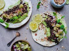 Kvinoa-kiivitacot dukkahilla (vegaani) – Viimeistä Murua Myöten Vegetarian Food, Avocado Toast, Breakfast, Morning Coffee, Vegetarian Cooking, Vegan Food, Vegetarian Meals, Veggie Food, Vegetarian Wedding Food