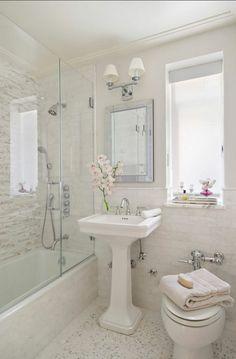 kleines badezimmer gestalten duschkabine badewanne badgestaltung klein bad