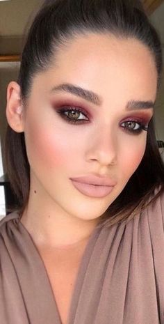 Beautiful Makeup What's Makeup ? What is Makeup ? In general, what is makeup ? It's a software that enables … What Is Makeup, Makeup Eye Looks, Creative Makeup Looks, Burgundy Makeup Look, Brown Makeup, Burgundy Lipstick, Burgundy Hair, Red Hair, Hair Tutorials