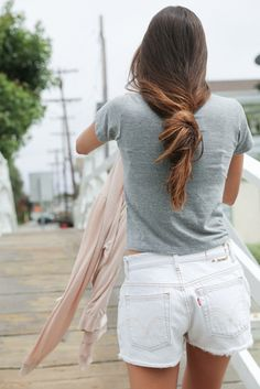 Gray tee and white short denim pants. Summer Outfits, Casual Outfits, Loose Ponytail, Loose Hair, Dress Me Up, Get Dressed, Style Guides, My Style, Hair Style