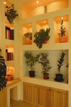 Ötletmozaik - Beépített polcszekrény gipszkartonból Karton Design, Plasterboard, Drywall, Home Living Room, Nissan, Interior Design, Plaque, Salons, Home Decor