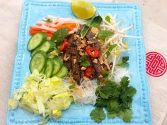 La Fabrique Gourmande: Bun Bo Xao Salade de Boeuf Vietnamienne Cobb Salad, Clean Eating, Gluten Free, Mexican, Yummy Food, Beef, Passion, Healthy, Ethnic Recipes