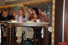 Η Τέσυ Μπάιλα συνομιλεί με την Νινέτα Παπαδομανωλάκη στο Ηράκλειο Κρήτης. #ouiskimple #baila #psichogiosbooks @creta Painting, Art, Art Background, Painting Art, Kunst, Paintings, Performing Arts, Painted Canvas, Drawings