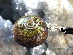Music Symbol G-Note Orgonite Pendant with Peridot