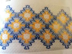 Vagonité Cat Cross Stitches, Counted Cross Stitch Patterns, Swedish Weaving Patterns, Swedish Embroidery, Monks Cloth, Weaving Designs, Bead Loom Patterns, Crochet Patterns, Loom Weaving