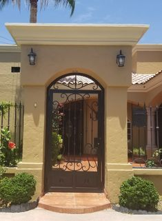 Landscape design entrance home 64 Ideas for 2019 Fence Gate Design, House Gate Design, House Front Design, Casa Kardashian, Iron Front Door, Mexico House, Hacienda Style, Spanish Style Homes, House Doors