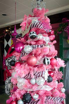 pink & black tree. I love it ! But I dont think the husband would like that ! Haha