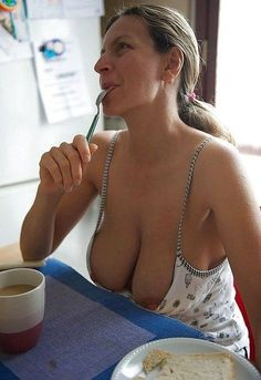 MILFS & COUGARS