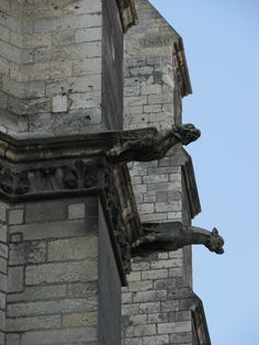 "https://flic.kr/p/5sooGR | Gargoyles high up | The Cathedral in Amiens, France  <a href=""http://poppinstradgard.blogspot.com/2008/10/bits-of-history-in-normandy.html"" rel=""nofollow"">poppinstradgard.blogspot.com/2008/10/bits-of-history-in-n...</a>"