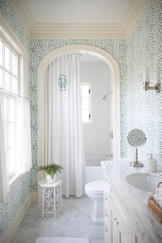 Bathroom Colors, White Bathroom, Small Bathroom, Master Bathroom, Bathroom Renos, Bathroom Renovations, Basement Bathroom, Bathroom Interior Design, Interior Decorating