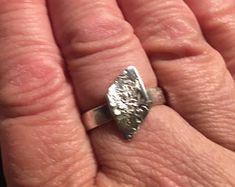 Cogsandgemscom Steampunk & silver designer by CogsandGemscom Handmade Silver Jewellery, Silver Jewelry, Steampunk, Heart Ring, Etsy Seller, Unique, Rings, Design, Silver Jewellery