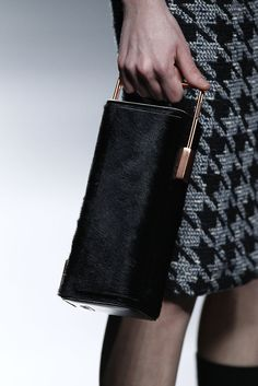 Leather Bags, Leather Handbags, New Fashion, Fashion Show, Vogue, Day For Night, Purse Wallet, Designer Handbags, Madrid