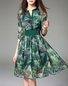 Green V-neck Printed 3/4 Sleeve Midi Dress, Green, VEINFUNS | VIPme