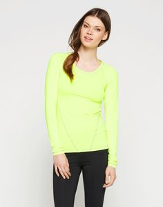 """Shirt: Y.A.S Sport """"Carly"""". Click on the picture to get the product <3"""