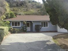 Glendale, First time on the market in over 35 years. Charming home north of Kenneth Road. Great private area nestled in the foothills of Glendale. Kitchen with eat-in area with adjacent dining room, along with large living room with fireplace and picture window that views into back yard. See more details: https://www.thehouseagent.com/featured-listings/carets/mls-SR16010481-1652_larco_way_glendale_ca_91202/