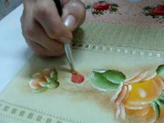 Pintando Botões de Rosas em Tecido.wmv - YouTube