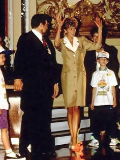 tan dress with white collar The suit dress it was called. She found it easy & comfortable so wore many of them