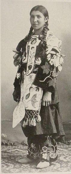 Ojibway woman, 1901