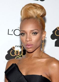 never thought i would see the day Lil Mama looked like a grown ass woman.