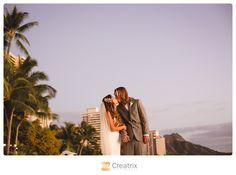 Hawaii Wedding Photographer #hawaii #wedding #luxury #glitter #waikiki #sunset