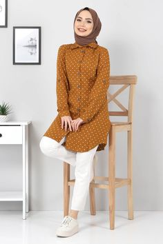 Casual Frocks, Casual Outfits, House Ceiling Design, Hijab Fashionista, Abayas, Hijab Outfit, Turkish Actors, Chiffon Tops, Bell Sleeve Top