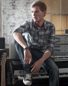 #Avicii (Tim Bergling)